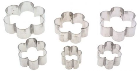 Plain Edge Daisy Cutters in Graduated Sizes